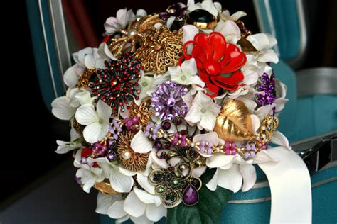 15 Brooch Bouquet Beauties From Etsy Ideabook By Onewed