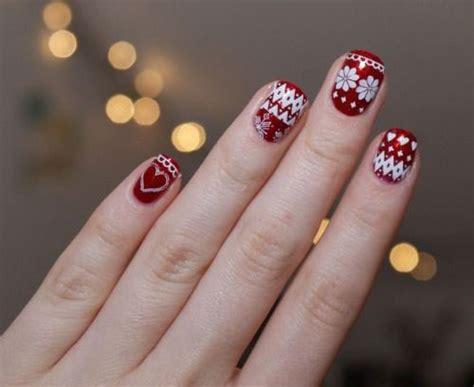 15 Christmas Sweater Nail Art Designs, Ideas, Trends
