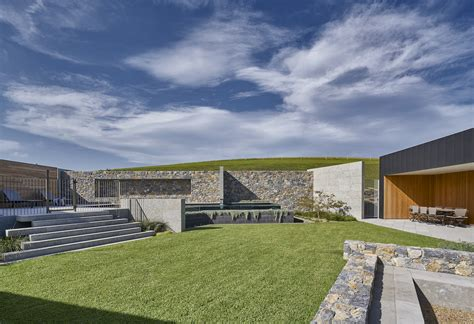 Things to consider for exterior feature walls - Eco Outdoor