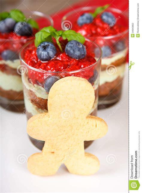dessert de no 235 l tiramisu doux de dessert avec la fraise fra 238 che photographie stock image