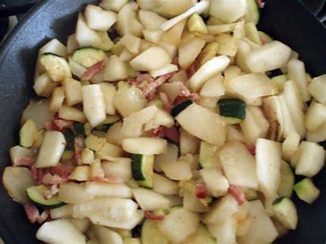 cuisiner le patisson marmiton recette de poelée patisson courgette