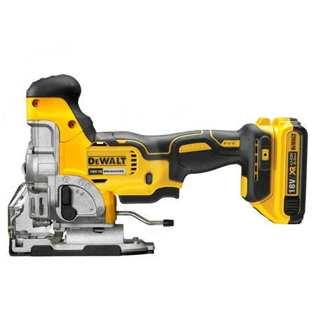 pin  glen douglas   dewalt tools dewalt power
