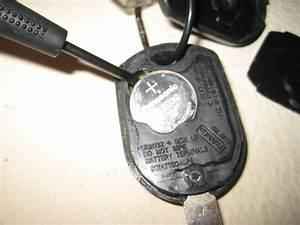 Ford-Mustang-Key-Fob-Battery-Replacement-Guide-005