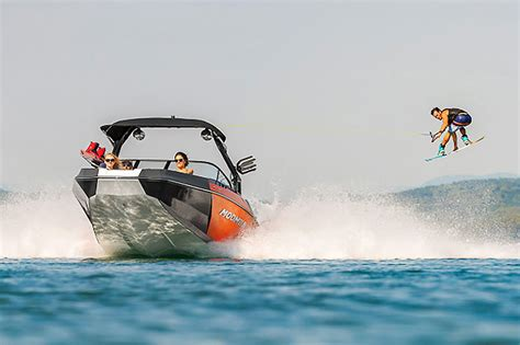 Moomba Boats Price by Moomba Helix Review Boats