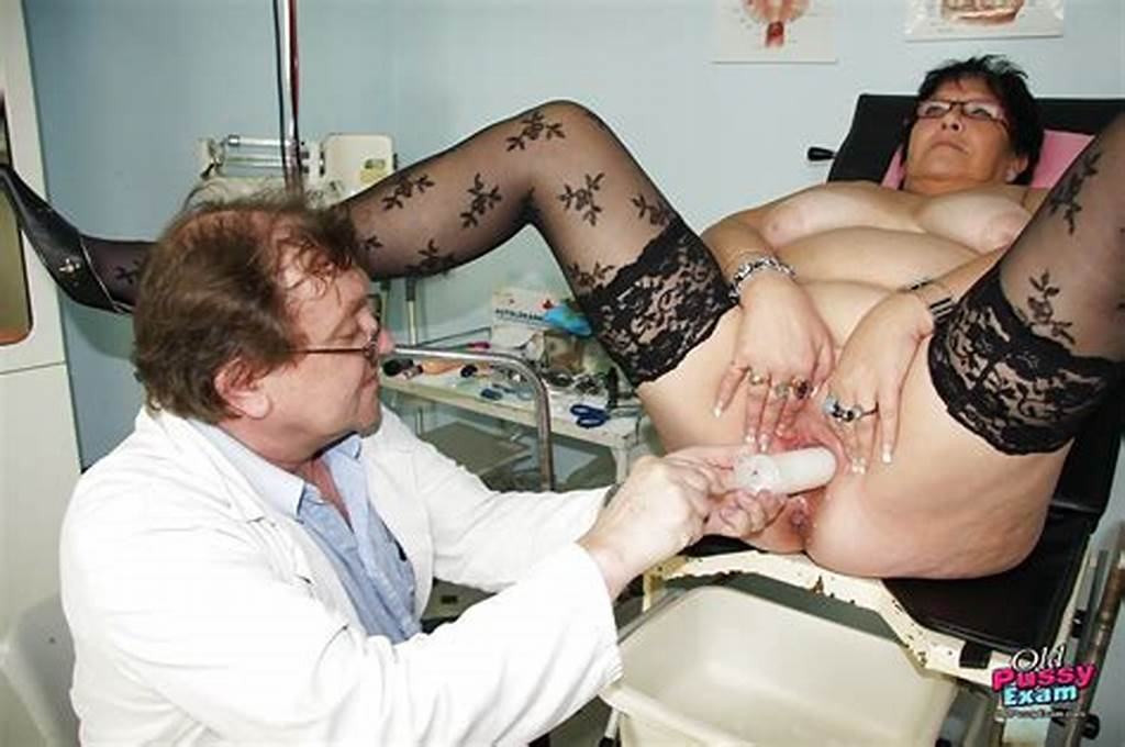 #Old #Fat #Mature #Getting #Her #Pussy #Violated #While #Visiting