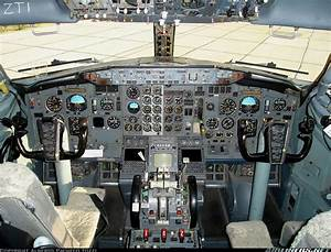 Boeing 737-228  Adv