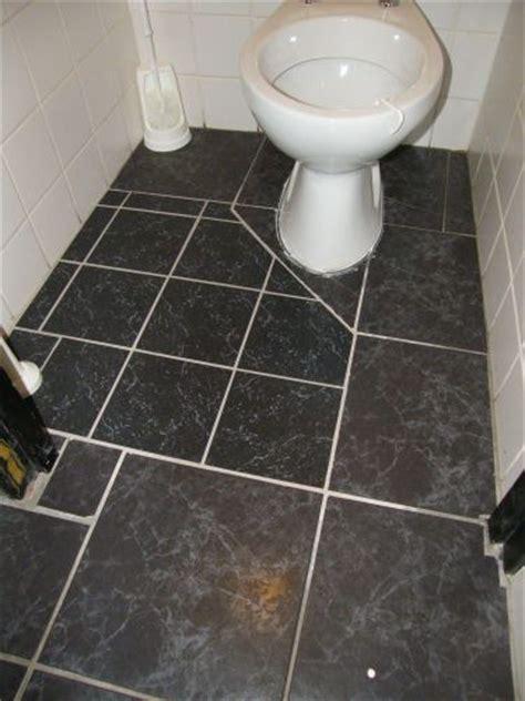 achterwand wc betegelen vloer toilet betegelen