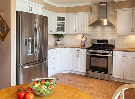 which paint colors best with white cabinets