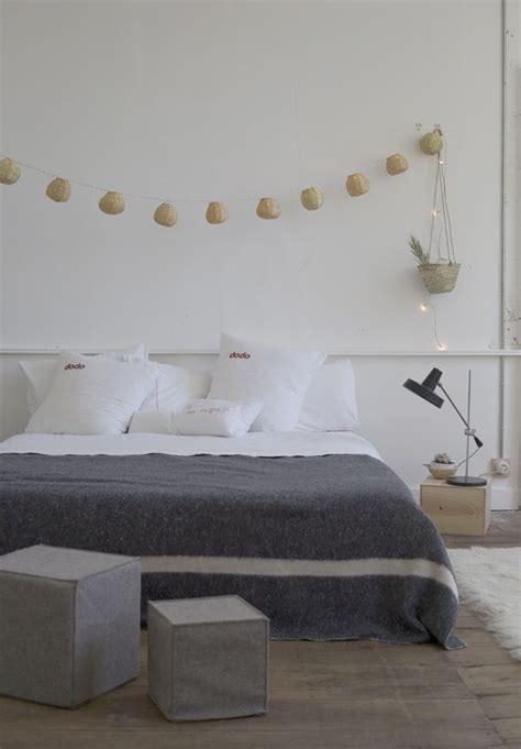 chambre grise et blanche inspiration en vrac le gris cocon de décoration le