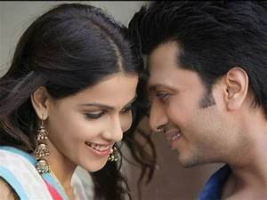 Beautiful Love & Wedding Story Of Genelia & Riteish ...