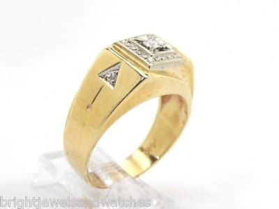 mens  yellow gold diamonds arrow design pinky ring