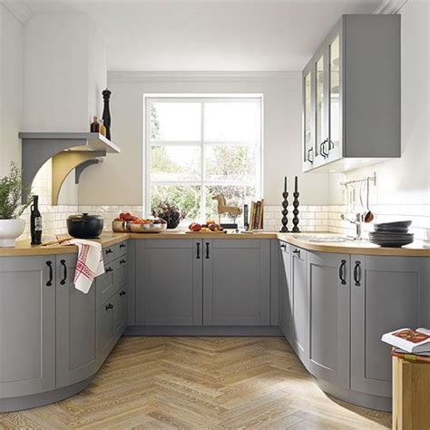 Small Kitchen With Modern Look Boshdesignscom