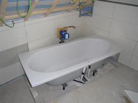 Unterputz Armatur Badewanne  Behindertengerechte Badewanne