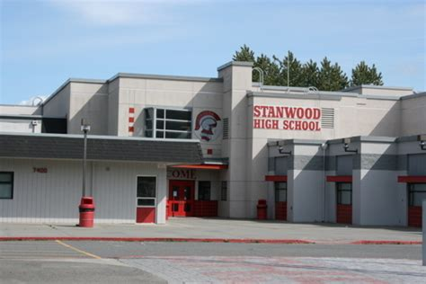 homes near stanwood high school in wa