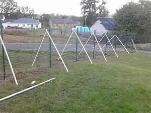 Cloture Pas Cher : poser une cloture cloturer un jardin pas cher chromeleon ~ Melissatoandfro.com Idées de Décoration