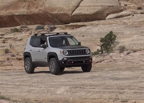 commander jeep 2016 driving the jeep renegade commander concept off road at