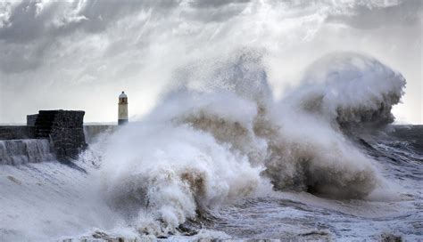 waves lighthouse storm porthcawl crash against sea storms garrington steve places amazing weather thisiscolossal crashing ocean years photographer documenting spends