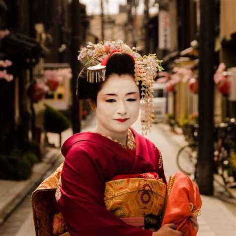Japanese Culture: What Is a Geisha?   JTB Meetings & Events