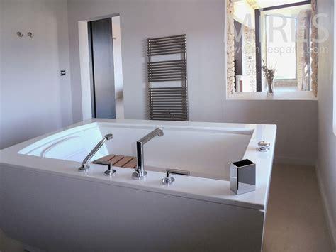 chambre avec bain a remous salle de bains mires