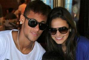 Bruna Marquezine 5 Facts about Neymar's Pretty Girlfriend