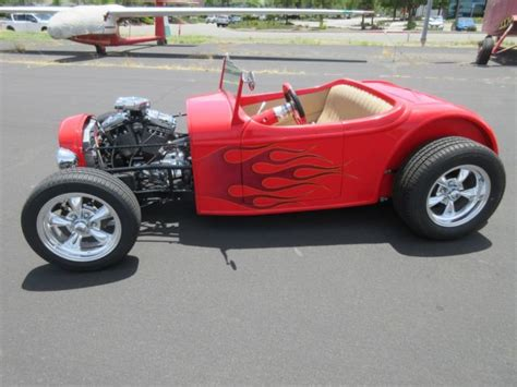 1932 Ford Roadster Replica Harley Davidson Powered 3/4