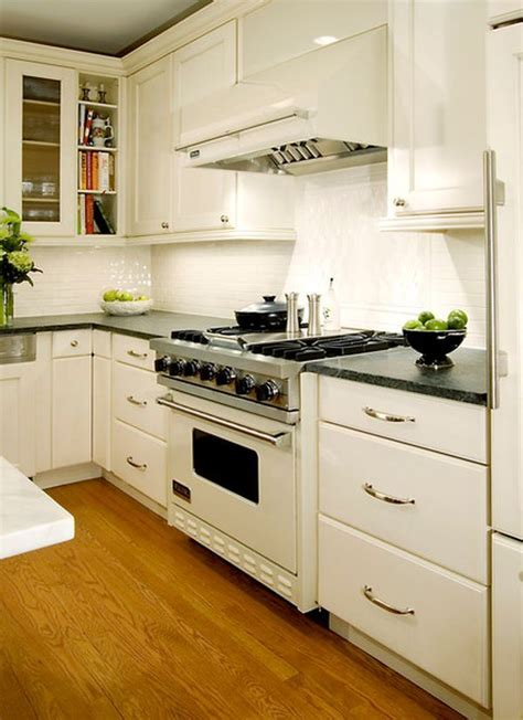 Stylish Kitchens with White Appliances   They Do Exist!