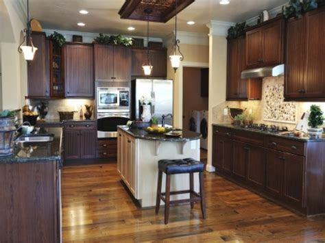 Granite Counter Samples, Dark Kitchen Cabinets With Light