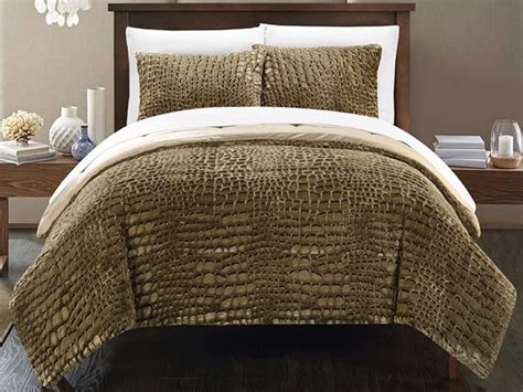 alligator design 3 piece comforter set