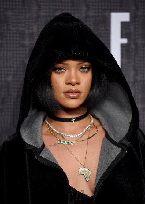 Lvmh Signs Rihanna To Create Fenty Beauty By Rihanna