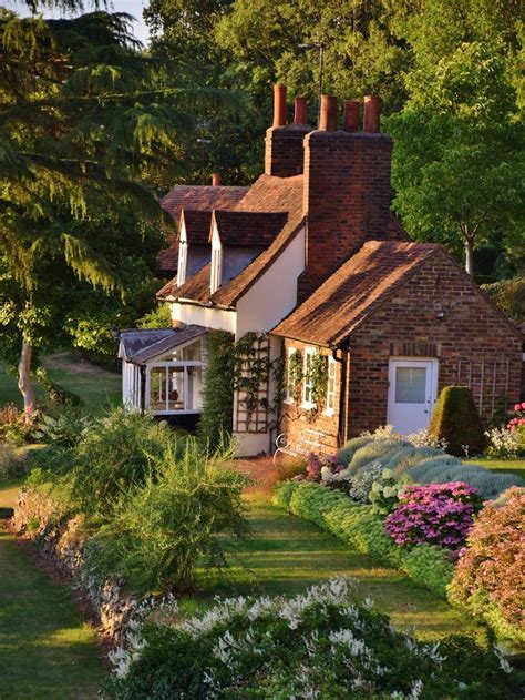 Country Cottage In Old Hatfield  Roomspiration, English