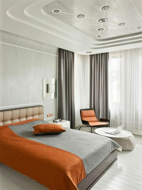 chambre r騁ro décoration chambre à coucher faux plafond
