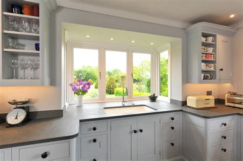 kitchen bay windows sink 20 charming kitchen spaces with bay windows home design 7730