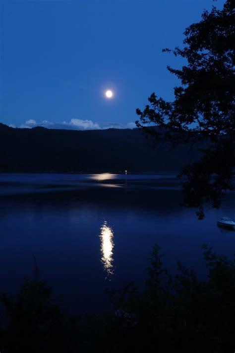 full moon   lake  uhd wallpaper