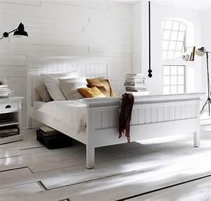 Lit Design Bois : lit bois blanc collection leirfjord 160 x 200 lit chevet meubles bois lecomptoirdesauthentics ~ Teatrodelosmanantiales.com Idées de Décoration