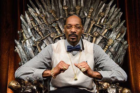 Snoop dogg — doggy dogg christmas 02:53. Snoop Dogg Smokes the Best Weed