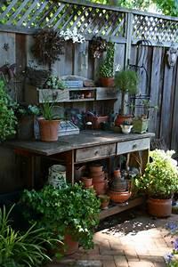 10 garden ideas for small spaces ward log homes for Garden ideas for small space