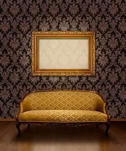 Zimmertür Mit Rahmen : classic antiken sofa und vergoldeten rahmen in zimmer mit schokoladenbraun damastmuster wand ~ Sanjose-hotels-ca.com Haus und Dekorationen