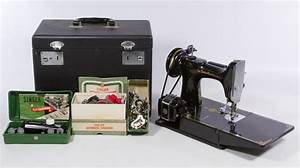 Singer  U0026quot Featherweight U0026quot  Sewing Machine