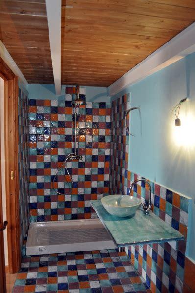 piastrelle per da letto foto bagno in da letto con piastrelle di cotto