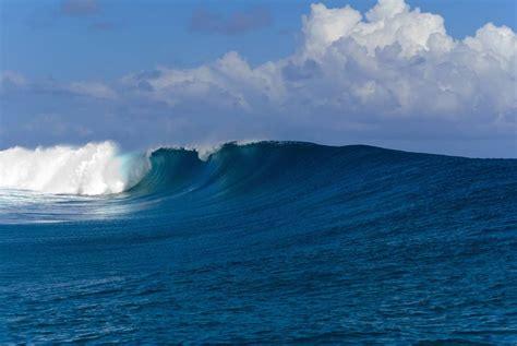 beach weather  teahupoo tahiti french polynesia  october