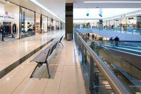 centro commerciale porta  roma italy fiandre
