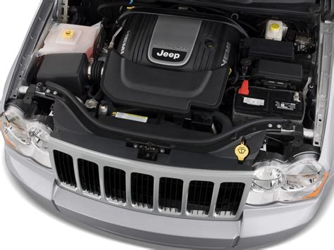 image  jeep grand cherokee rwd  door limited engine
