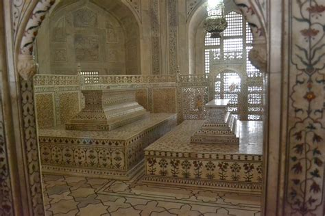 Taj Mahal Inside and images