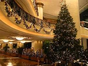 Christmas Decoration at Luxury Hotel Harbour Grand Kowloon