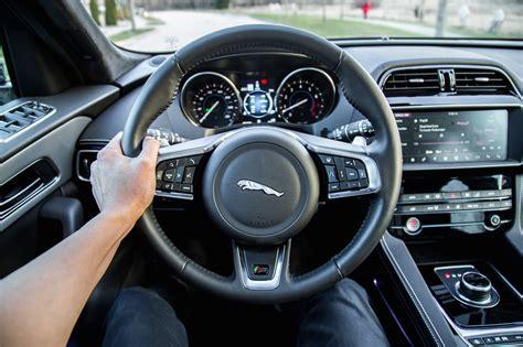 review  jaguar  pace  car