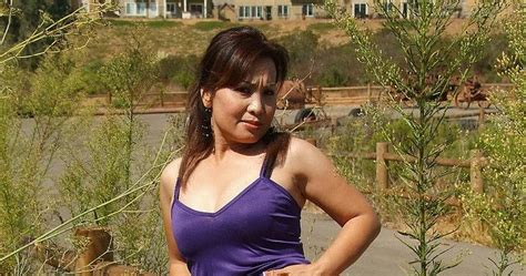 Xxx Nudes Japan Mature Asian Milf Spreading Her Oriental Pussy Outdoors