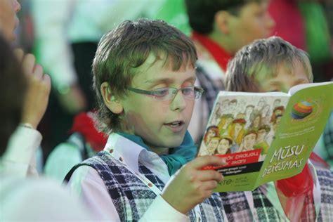 Daudzbērnu ģimenēm Dziesmu svētku laikā tomēr būs ...