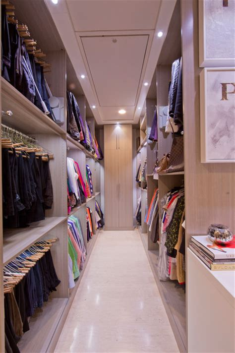 womans dream walk  closet modern closet