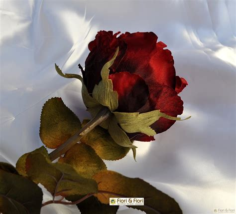 fiore la rosa fiore artificiale rosa piccadilly rosso
