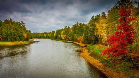 autumn riverbank state park hudson river  manhattan